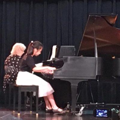 Yong Artist Pianist